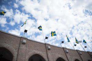 160501 Sveriges flaggor Šr hissade pŒ Stadion under fotbollsmatchen i Damallsvenskan mellan DjurgŒrden och Vittsjš den 1 maj i Stockholm. Foto: Linnea Rheborg / BILDBYRN / Cop 189