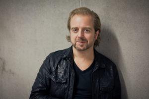 Johan R Norberg i halvfigur. Foto